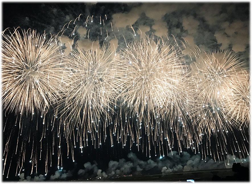 日本三大花火大会の二つ名は伊達じゃない